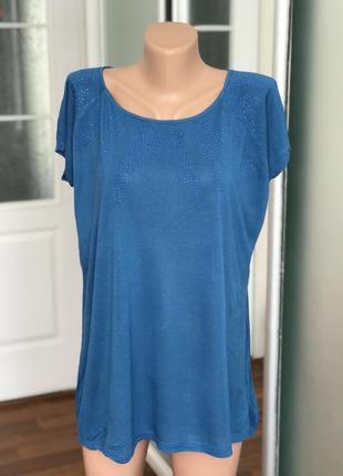 Синяя футболка со стразами размер хл3 фото