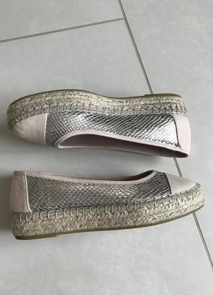 Туфли кожаные стильные модные дорогой бренд carvela  kurt geiger  размер 37