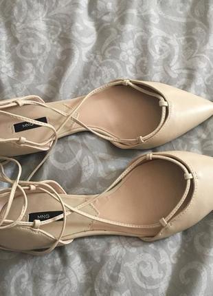Шикарные туфли босоножки на шнуровке от mango, p. 37