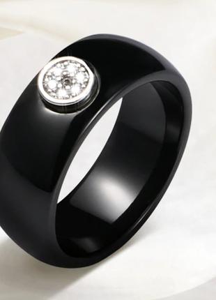 Керамическое черное кольцо с кристаллами код 16162 фото