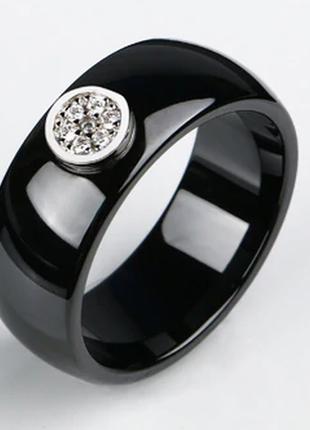 Керамическое черное кольцо с кристаллами код 16165 фото