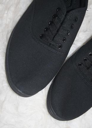 Базовые черные текстильные кеды5 фото