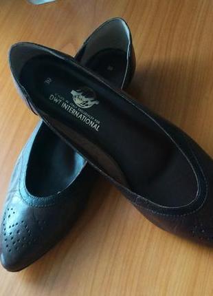 Темно-коричневые кожаные натуральные лодочки туфли балетки с узким носом2 фото