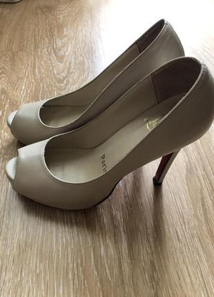 Туфли с открытым носком кожа