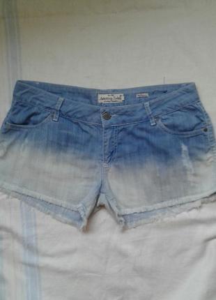 Легкие джинсовые шорты  размер l