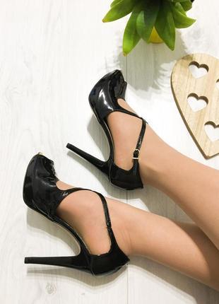 Крутые туфли, босоножки с закрытой пяткой, переплет, натуральная кожа, испания lodi