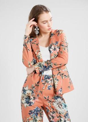 Стильний літній піджак у квітковий принт vila clothes