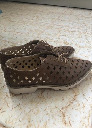 Bata, крутые туфли/ботинки/босоножки полностью дышащие с зауженным носком