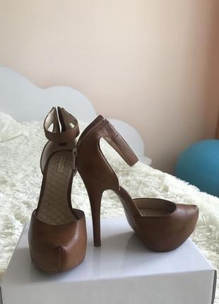 Туфли (закрытые босоножки)