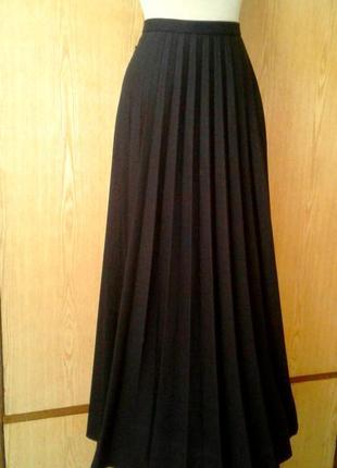 Плотная плиссерованная черная юбка, 2xl.