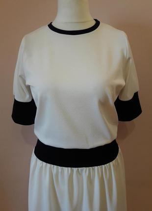 Белое платье в стиле спорт шик2 фото