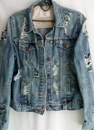 Крутая джинсовая в дырах, рваная
