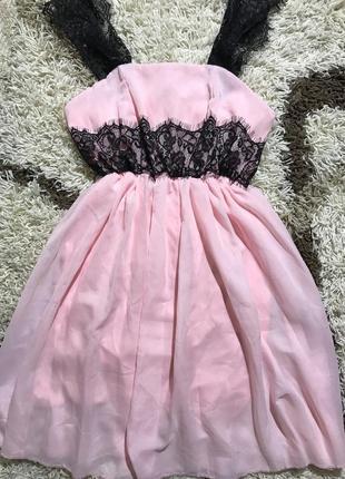 Платье с кружевом миди нежно розовое