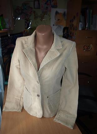Женский пиджак крем микровельвет s-м