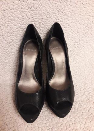 Кожаные туфли carvela