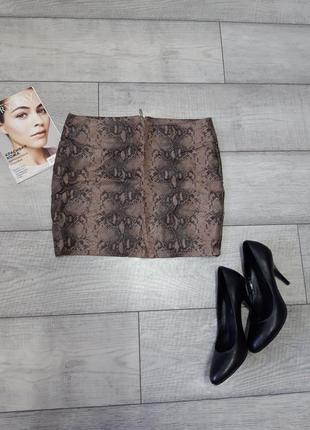 Кожаная юбка со змеинным принтом
