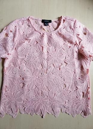 Блузка с перфорацией, кружевом