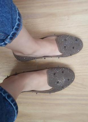 Красивые оригинальные туфли лоферы балетки мокасины с шипами 37р frash