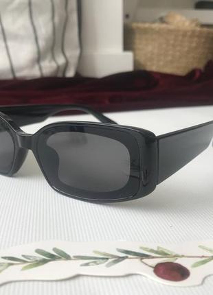 Очки черные прямоугольные с широкими дужками ретро винтаж узкие