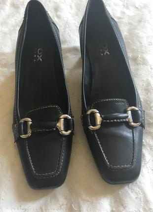 Классные кожаные туфли geox