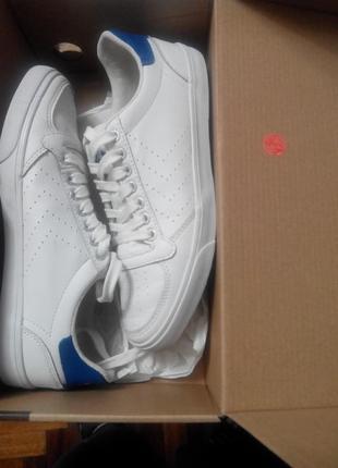 Красовки популярной спортивной обуви