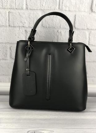 Кожаная итальянская женская сумочка для деловых девушек черная