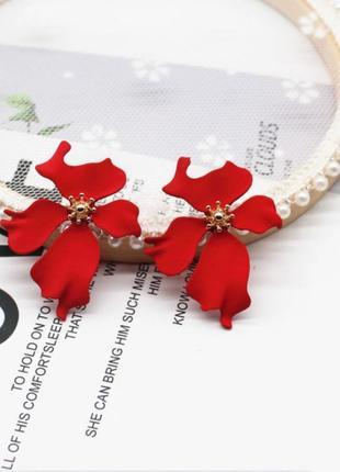Серьги красные цветочек цветочек сережки