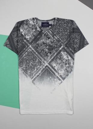 Классная футболка с градиентом принта от topman