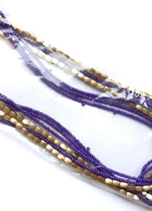 Простое фиолетовое ожерелье из бисера