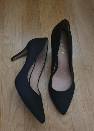 Туфлі із нубуку зовні