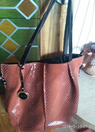Фирменная кожаная сумка шоппер
