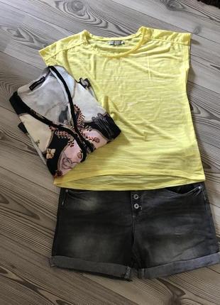 Комплект тройка футболка, шорты и кофта