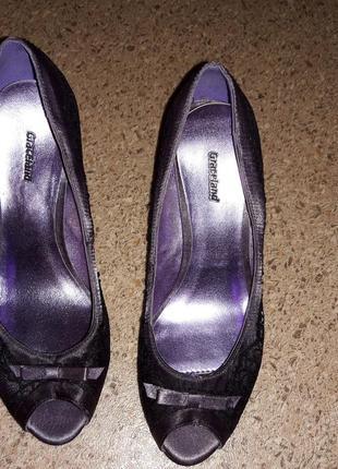 Элегантные, нарядные и удобные летние туфли. фирма graceland