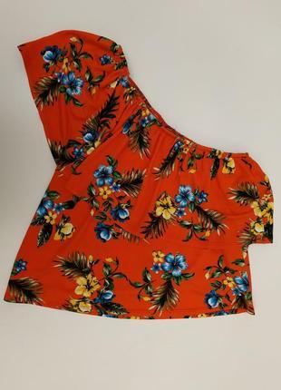 Яркая красивая блузка топ на одно плечо с воланом new look
