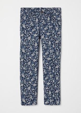 Очень красивые джинсы с цветочками h&m на 2-3, 3-4, 4-5 лет