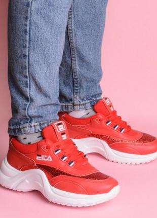 Красные кроссовки на толстой подошве fila2 фото