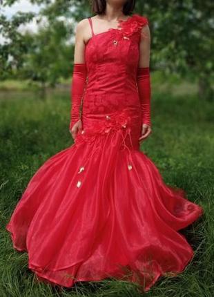 Выпускное, вечерние платья.