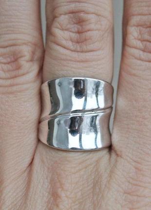 Серебряное кольцо сочетание р.18