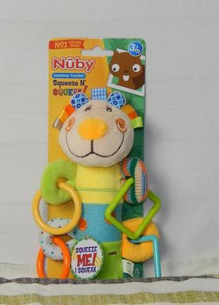 Милая зверушка - пищалка фирмы nuby