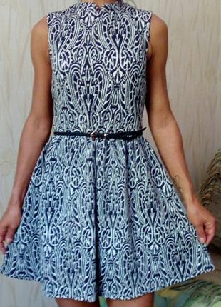 Стильное платье с принтом atmosphere.