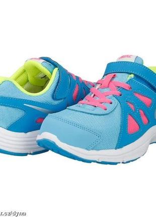 Яркие кроссовки nike .мега выбор обуви и одежды!
