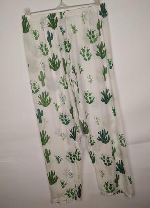 Легкие пижамные штаны в кактусы asos uk 10/38/s