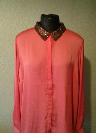 Коралловая блуза  с воротничком из пойеток 20размер