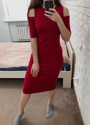 Красное платье миди с открытыми плечиками m&s collection