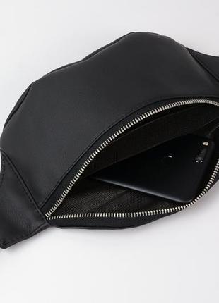 Чёрная мужская бананка/сумочка на пояс, плече с экокожи4 фото