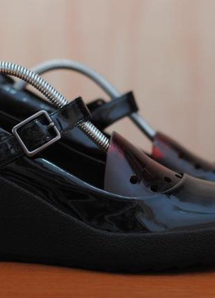 Черные женские туфли, босоножки clarks на танкетке, 43 размер. оригинал