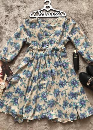 Легкое шифоновое платье с цветочным принтом
