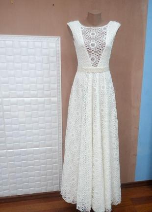 Милейшее платье из нежнейшего кружева.