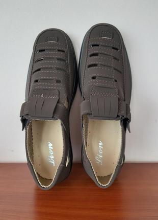 Мужские летние туфли коричневые4 фото