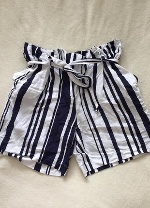 Крутые шорты в полоску